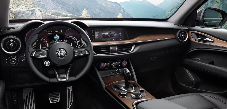 2020 Alfa Romeo Stelvio - Interior & Exterior Photos