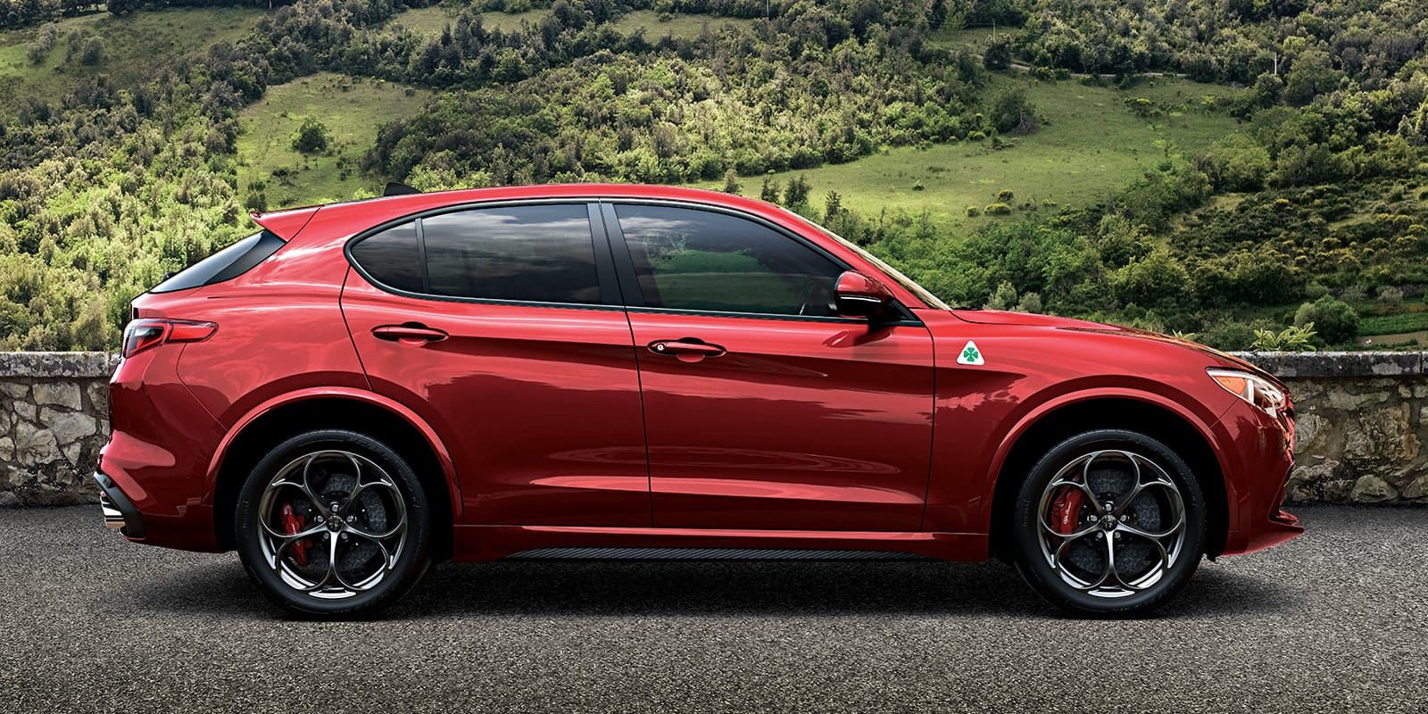 stelvio quadrifoglio the all new alfa romeo italian suv alfa romeo usa. Black Bedroom Furniture Sets. Home Design Ideas